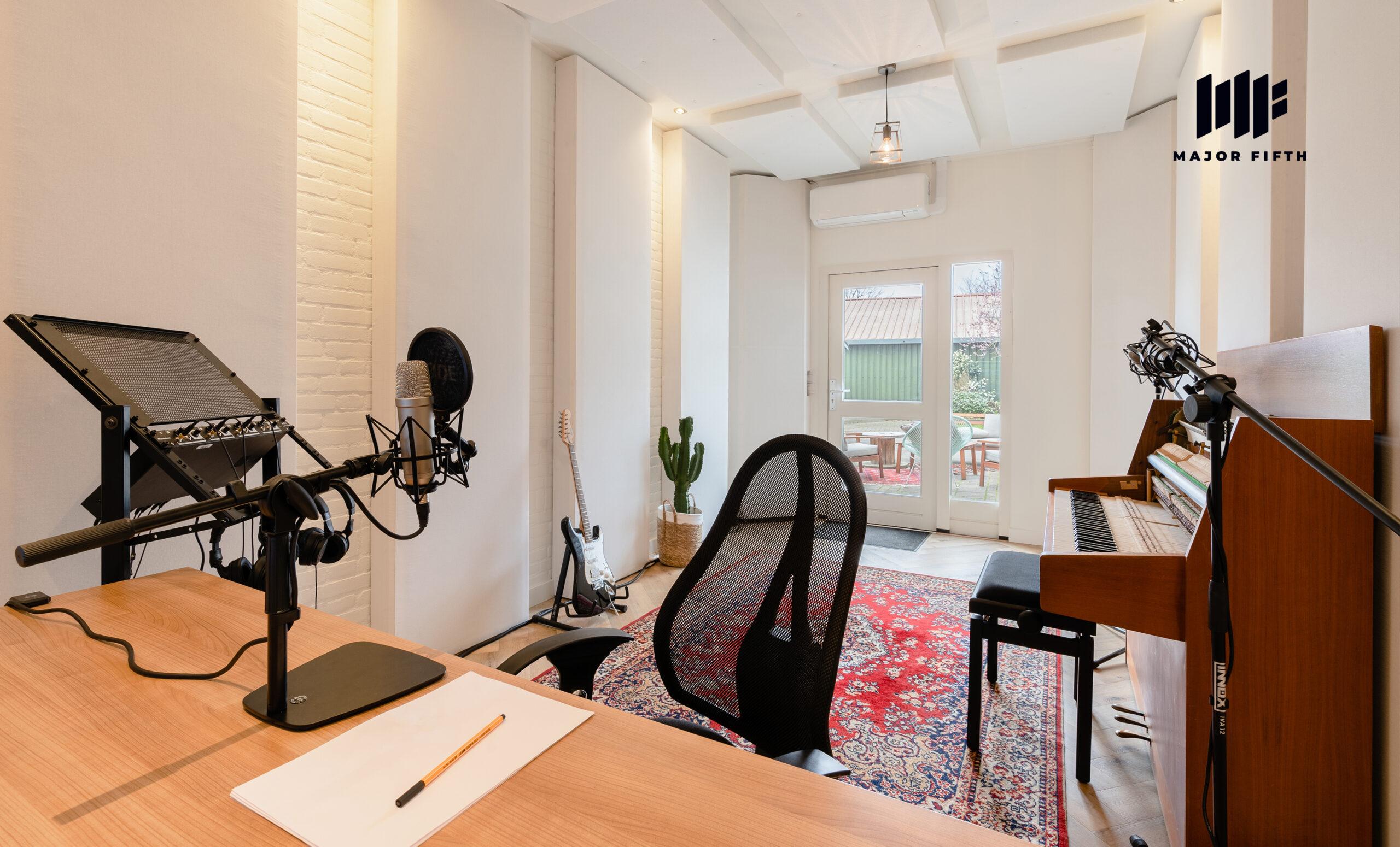 Studio-3-C